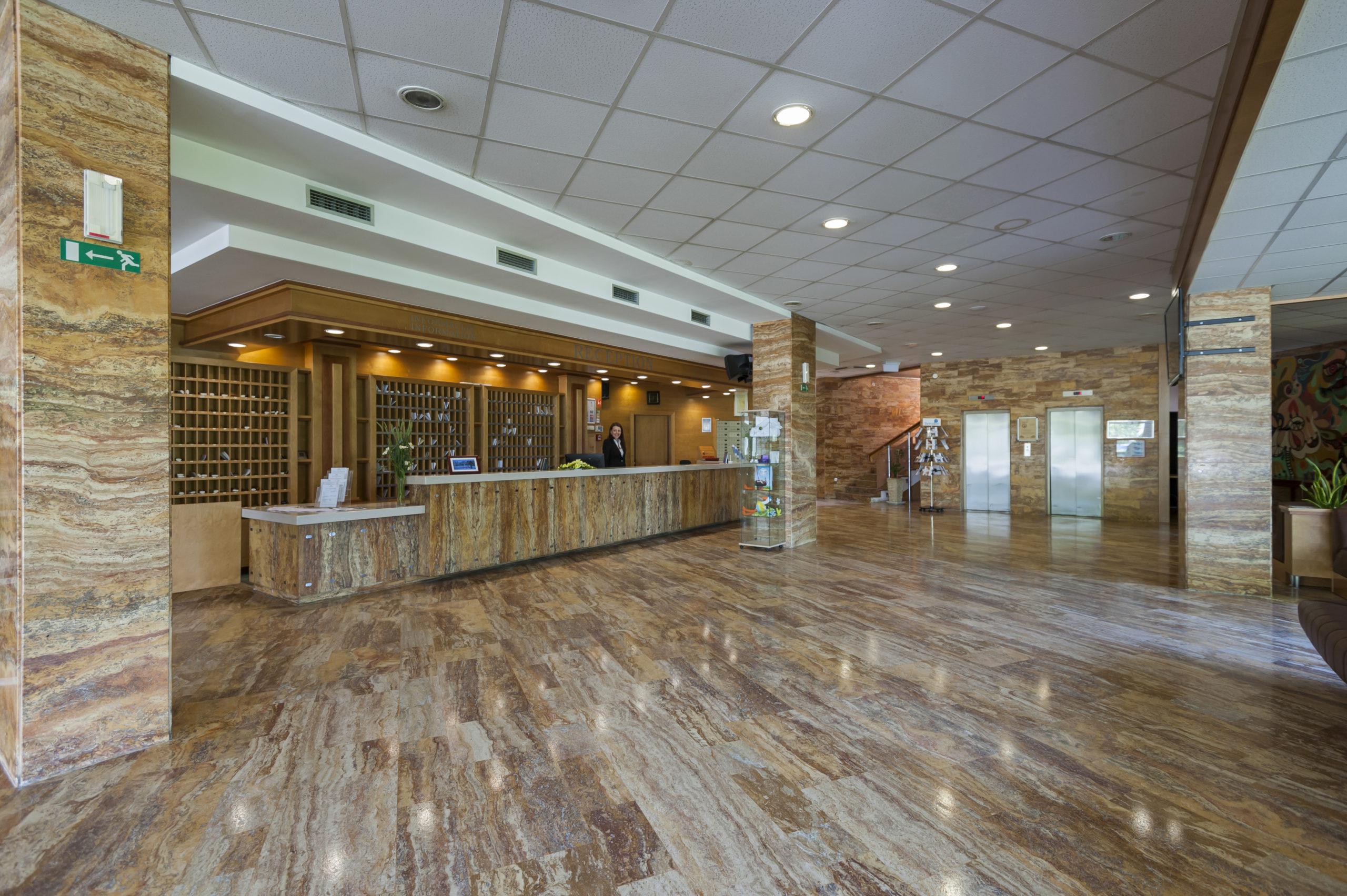 Hotel reception_01_Hotel Termal_T3000_Foto ZV_08 14