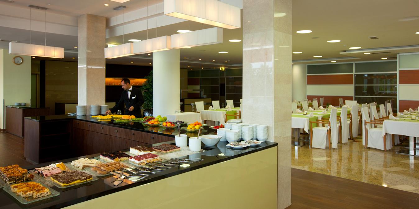 Hotel-restaurant_01_Hotel-Livada-Prestige_T3000_Foto-Demetrio_Carrasco_10-10_low res
