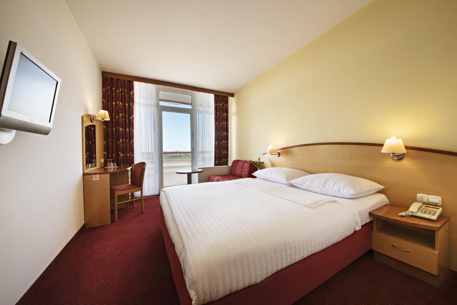 HotelLipa_doubleroom_01_052017_DD_lowres