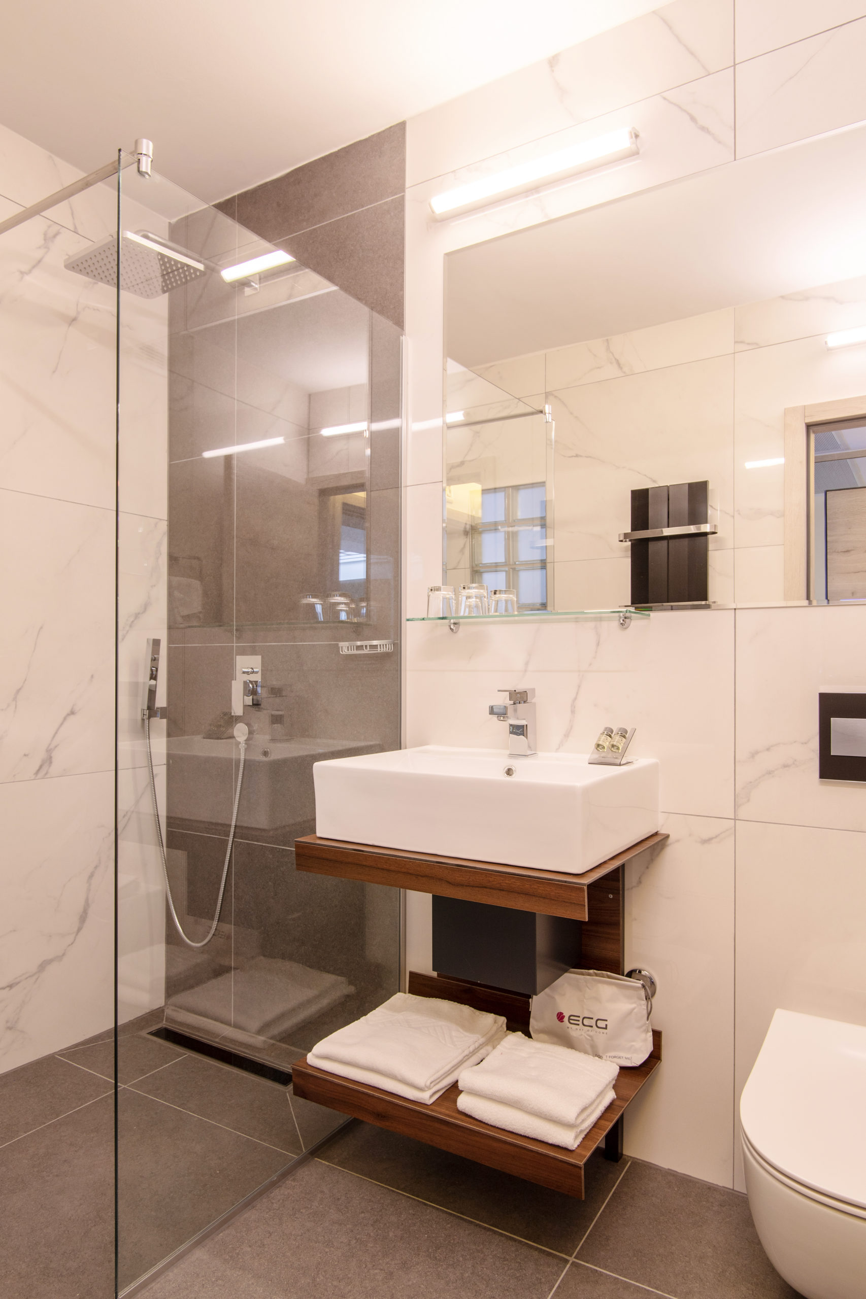 Room 512 Bathroom