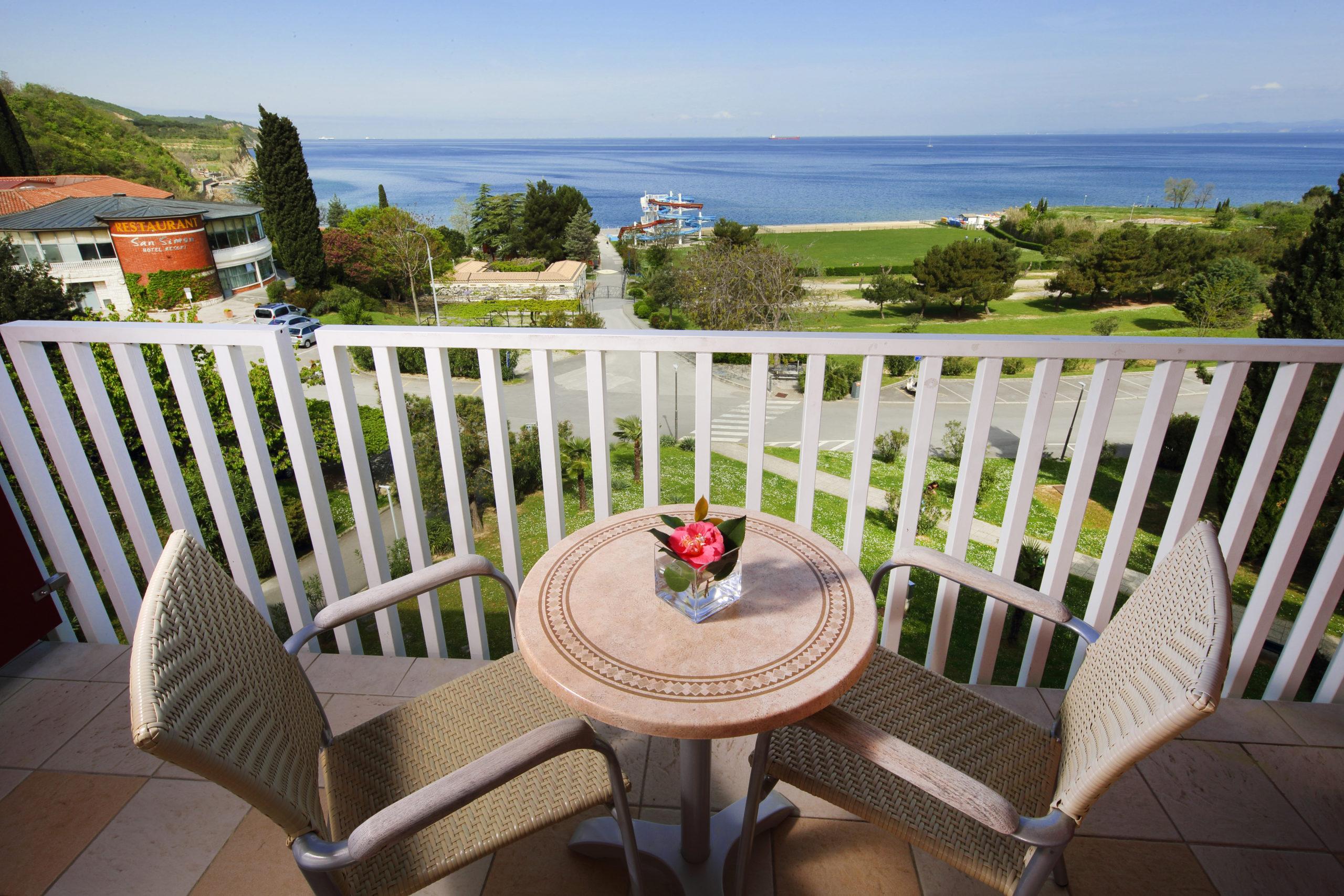 Room balcony.JPG (1)