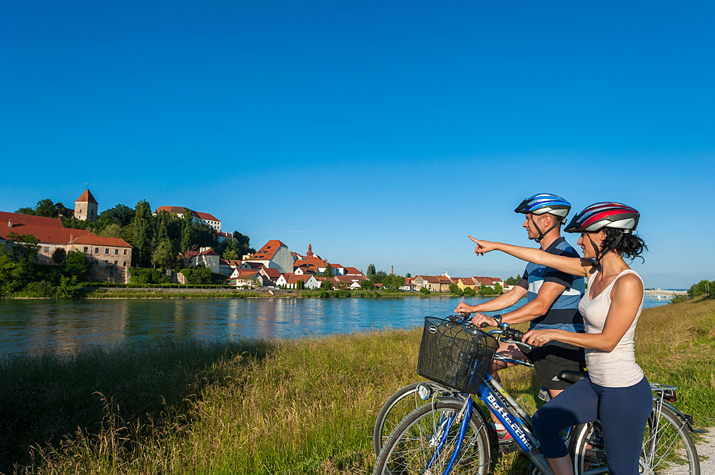 Couple-cycling_01_TP_Foto-ZV_09-14_low res