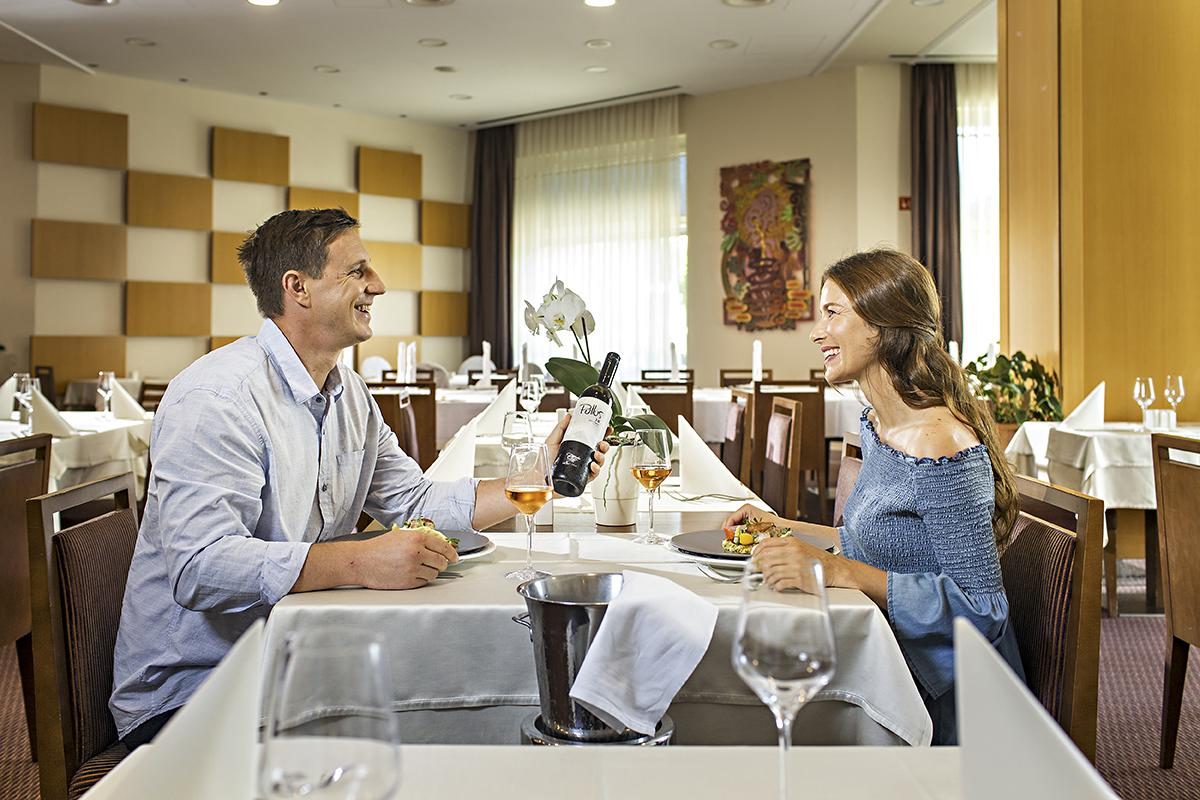 Couple_restaurant_02_TP_fotoBD_2019_lowres