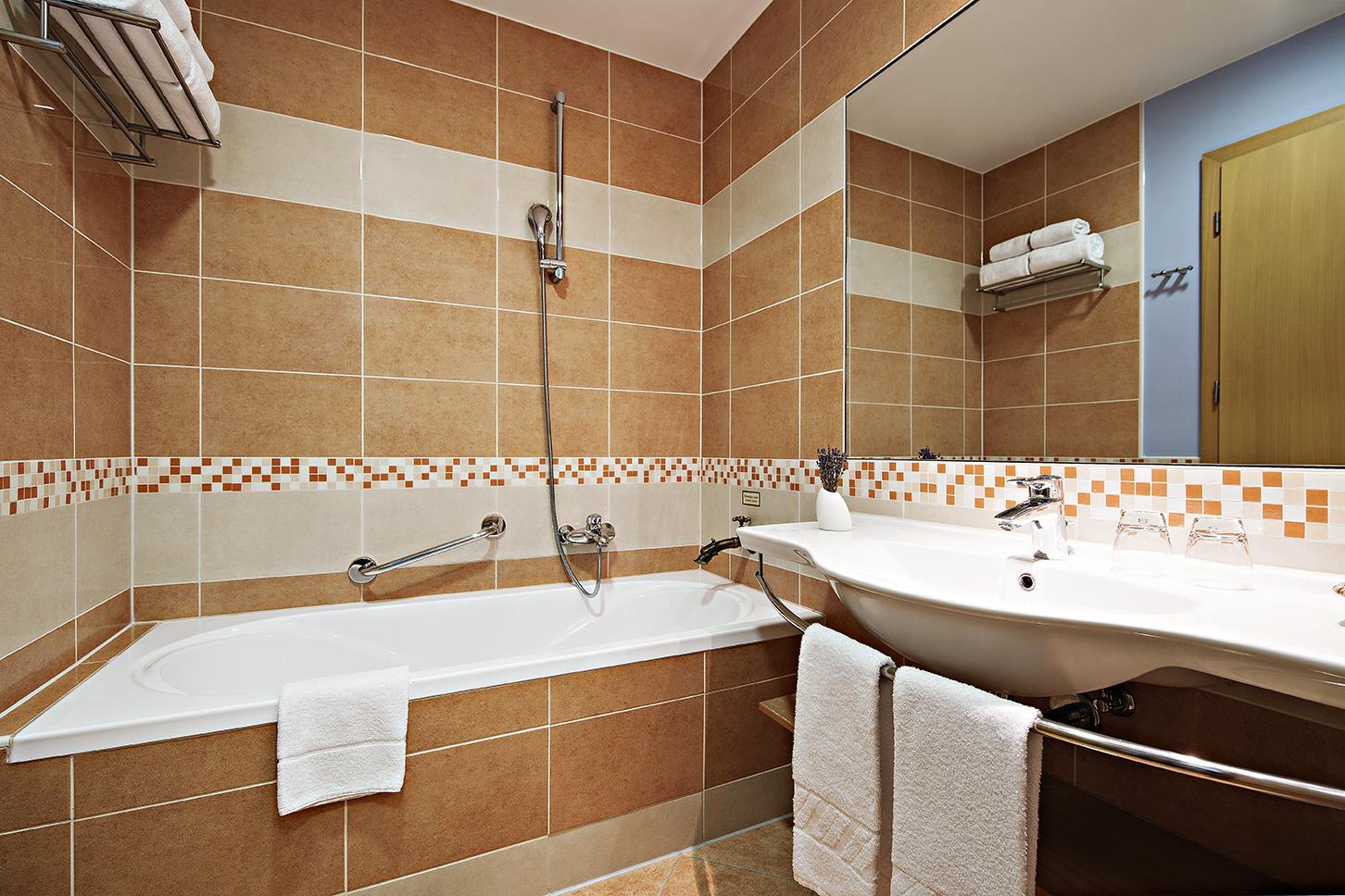 GHP_Doubleroom_standard_bathroom_01_052017_DD_lowres