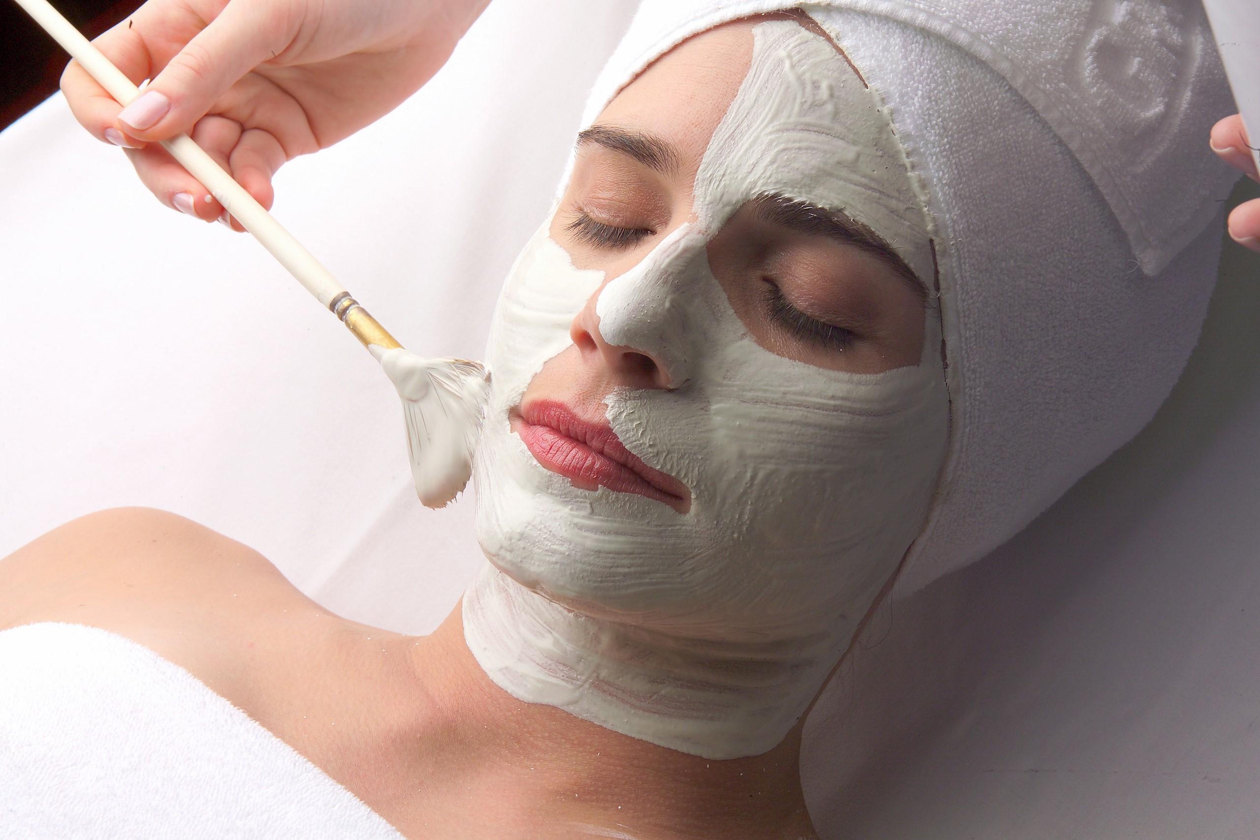 face-mask-woman-beauty-center-terme-portoroz-3
