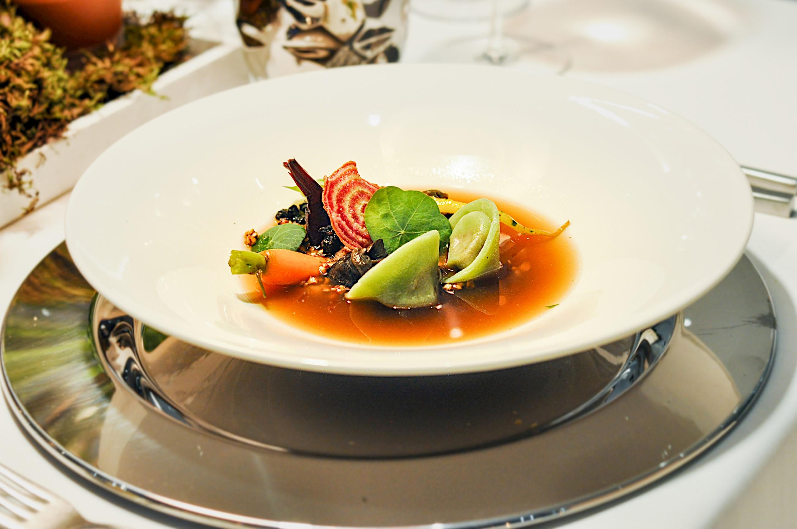 restaurant-salina-ravioli-soup