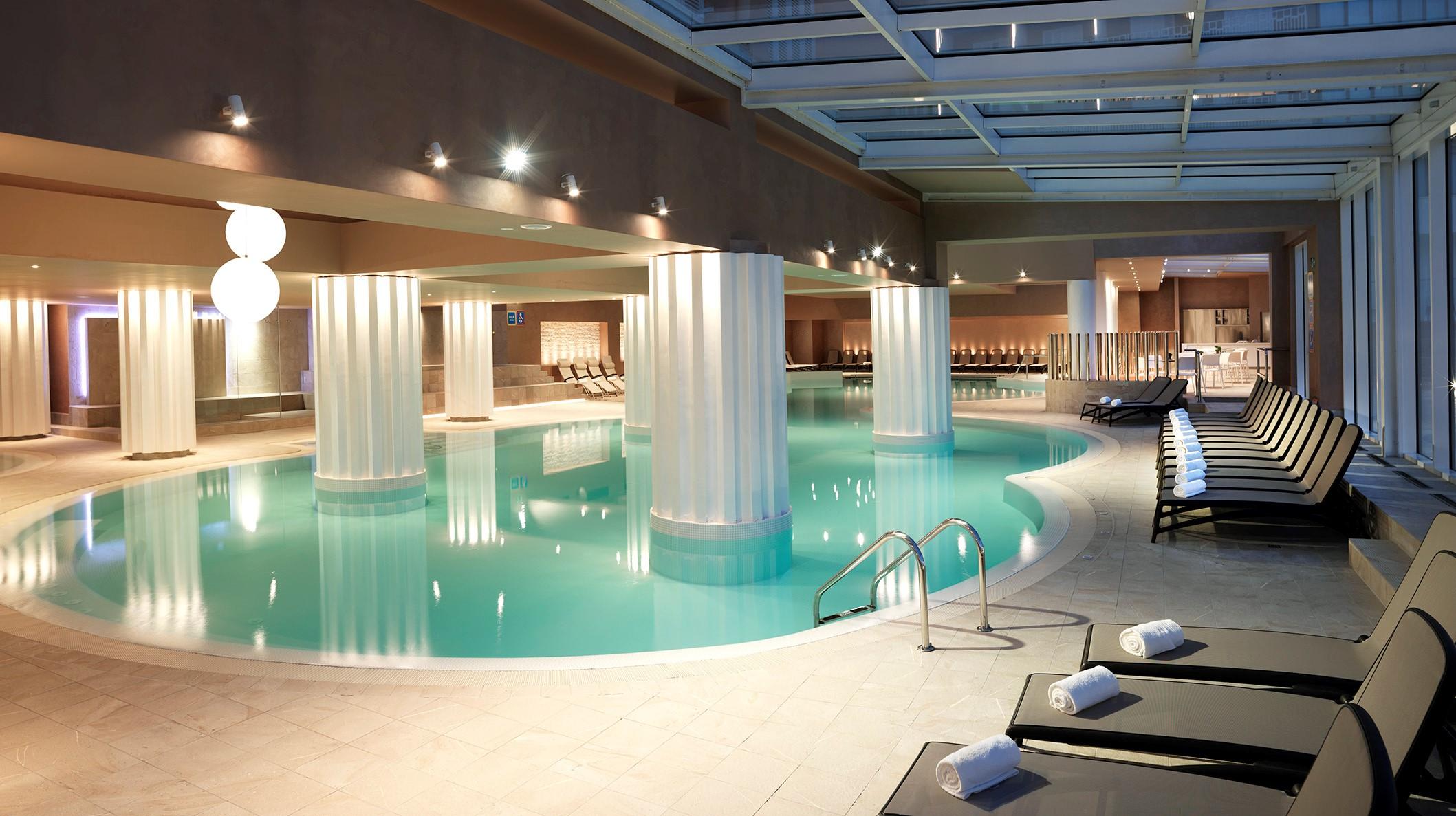 sea-spa-swimming-pool-panorama