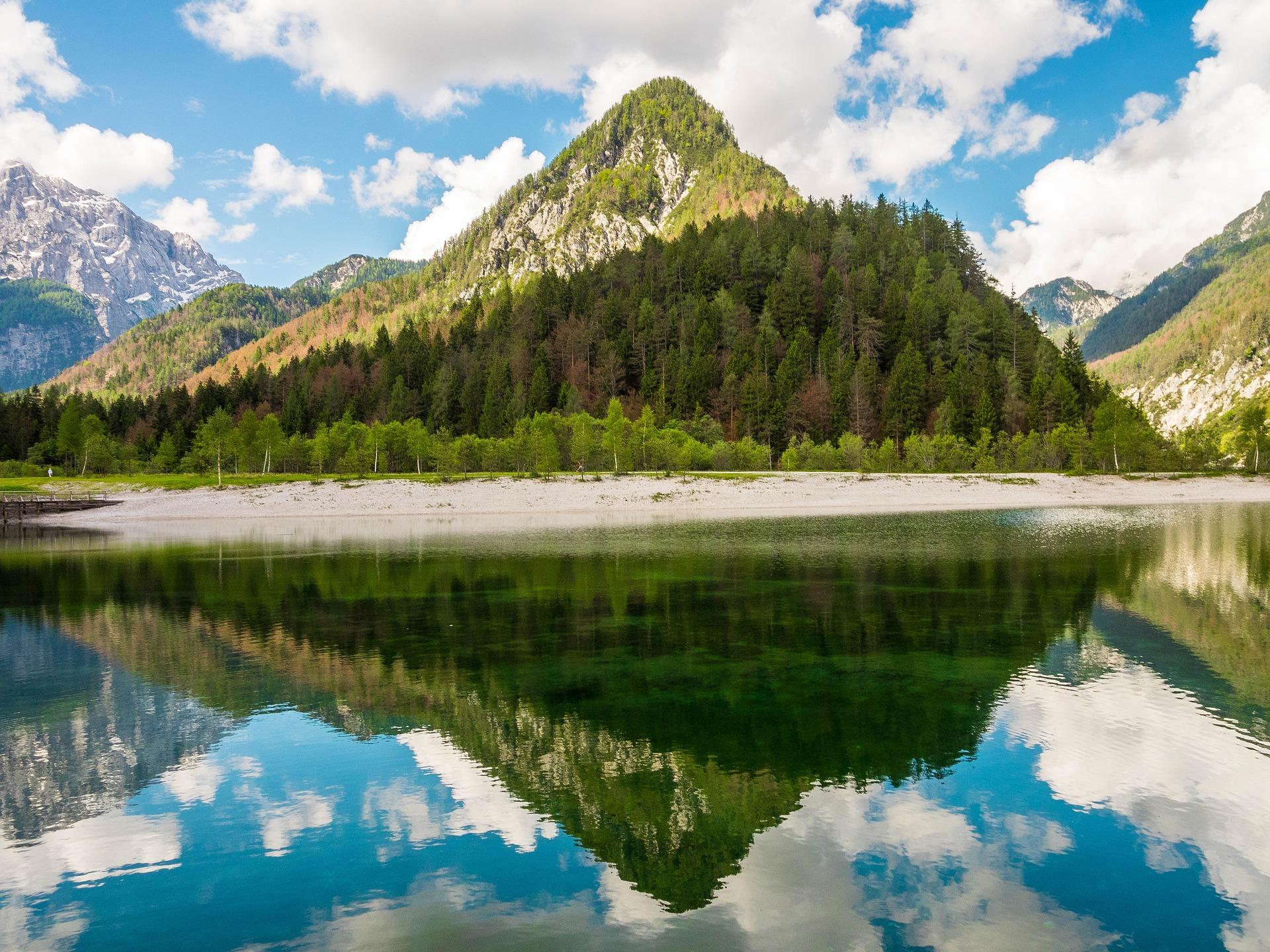 jasna-lake-2165622_1920
