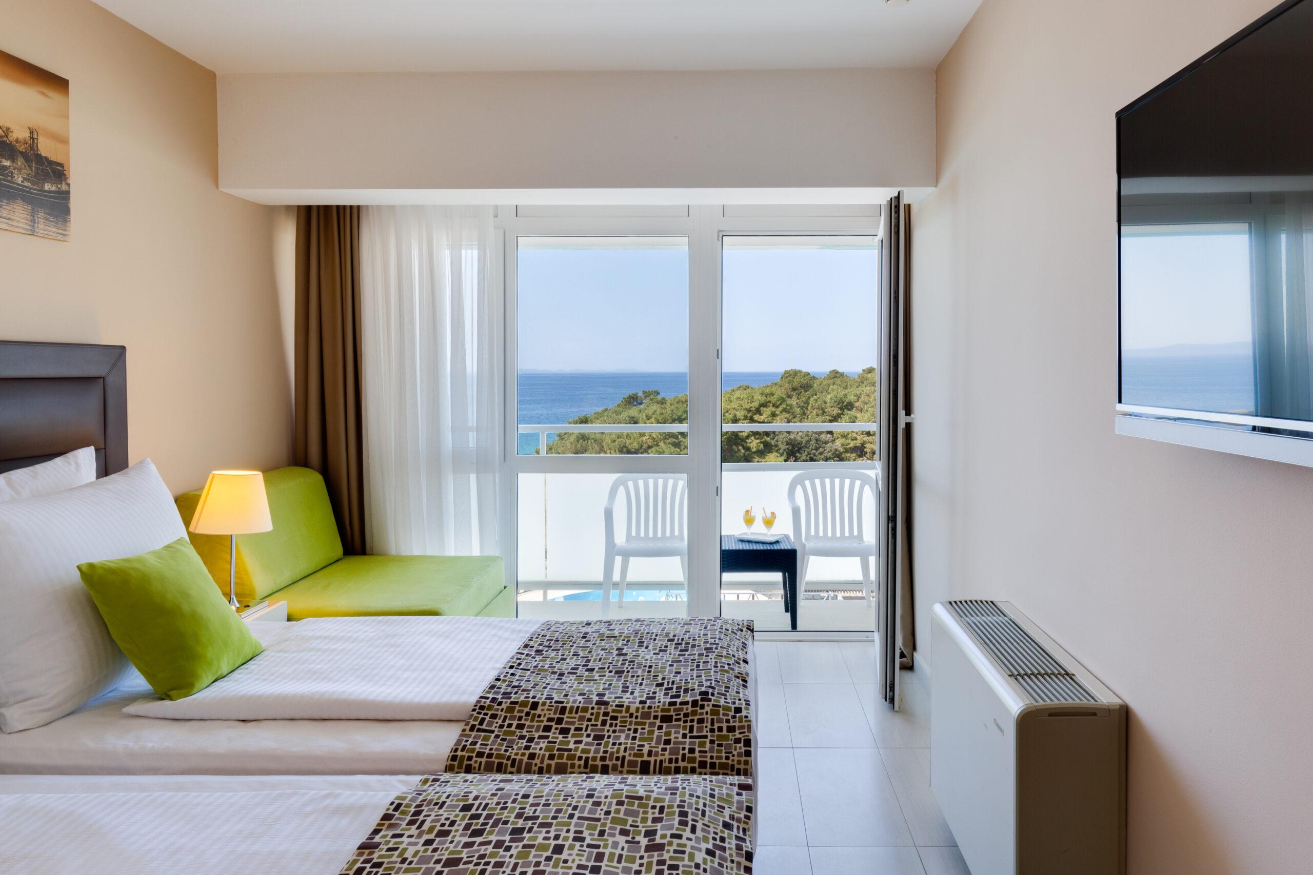 03 Premium-balcony-seaview