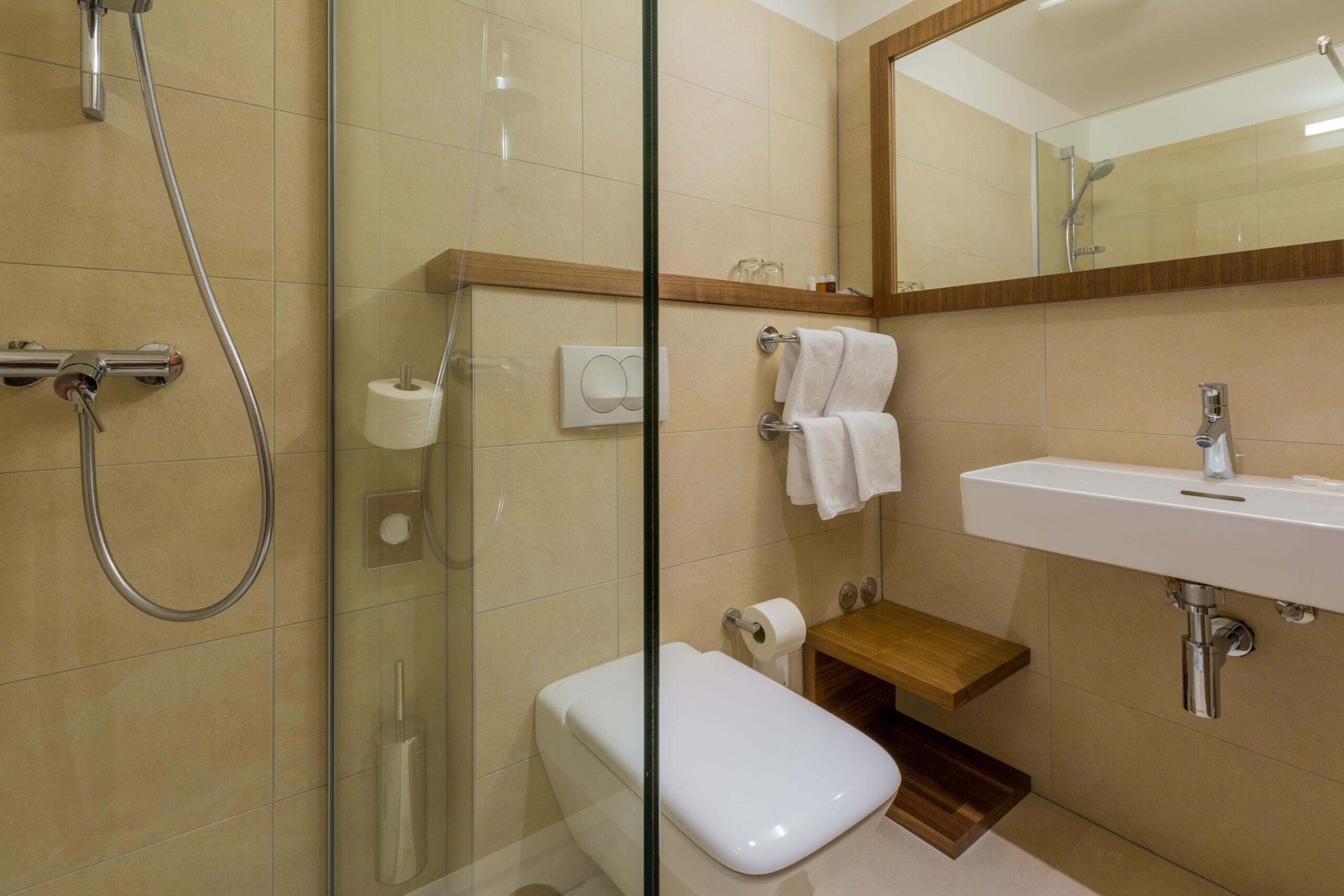 Bathroom_hotel Katarina (1)