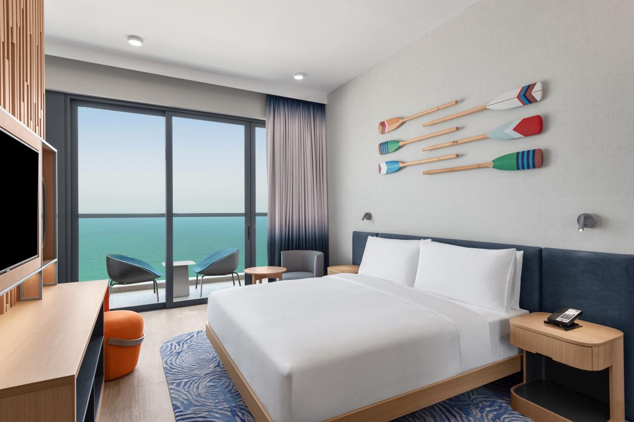 RKTMAHX_King Room with Island View